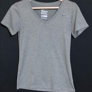 NIKE ATHLETIC CUT Tee Size Small NWOT
